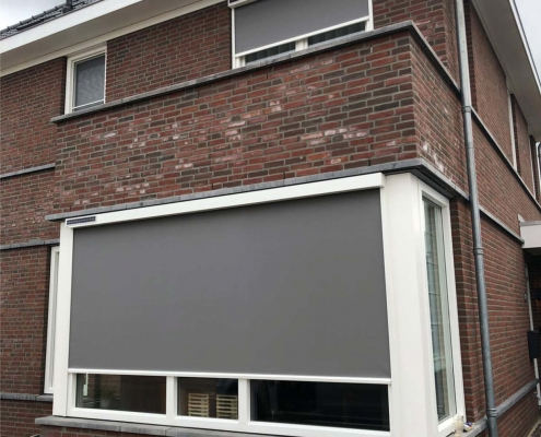 Solar screen windvast